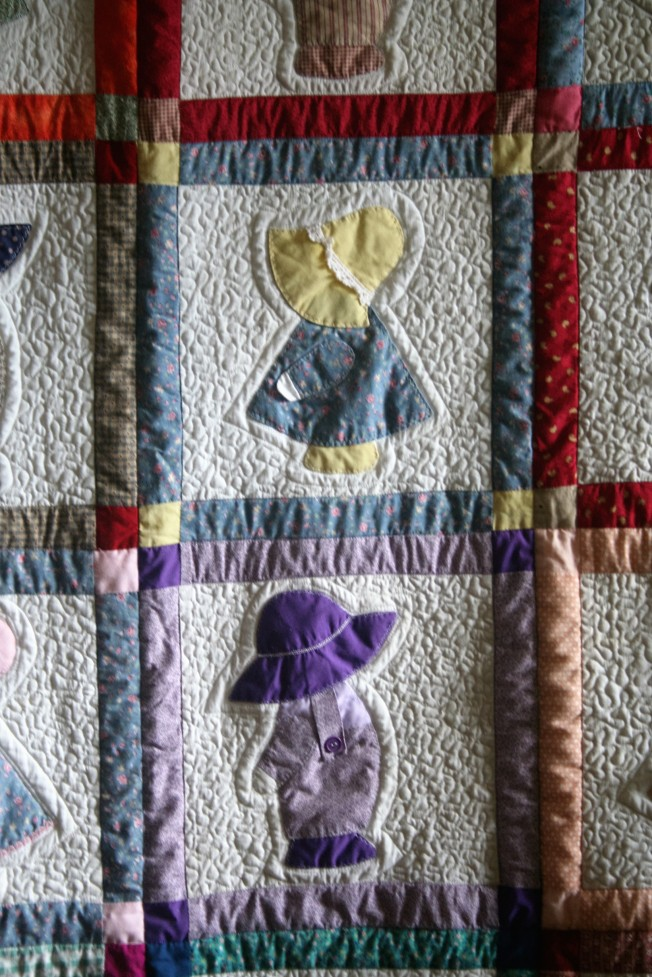Sunbonnet Sue (close up)