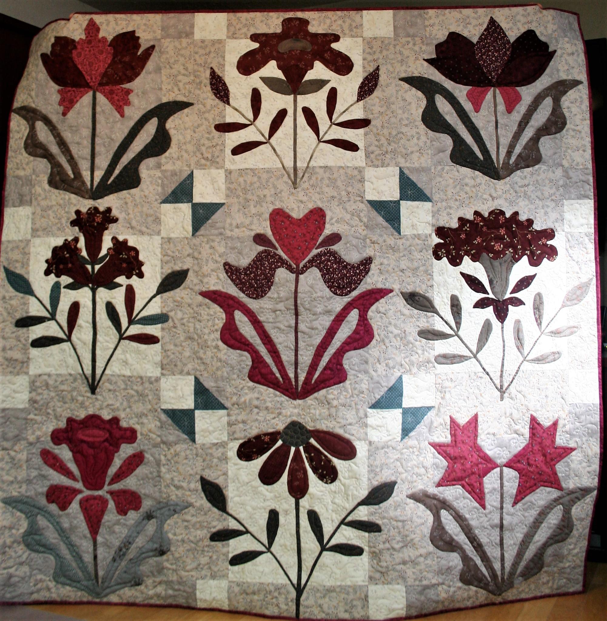 Hand Applique Flower Quilt (front)