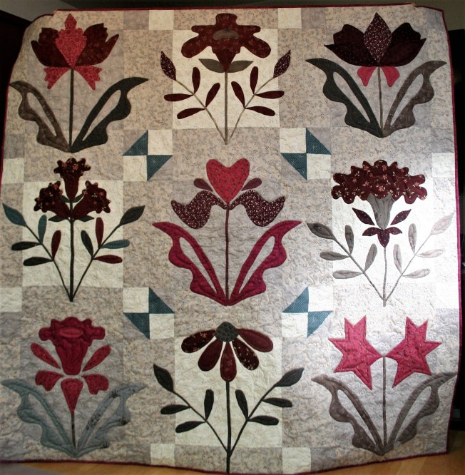 Hand Applique Flower Quilt (front)
