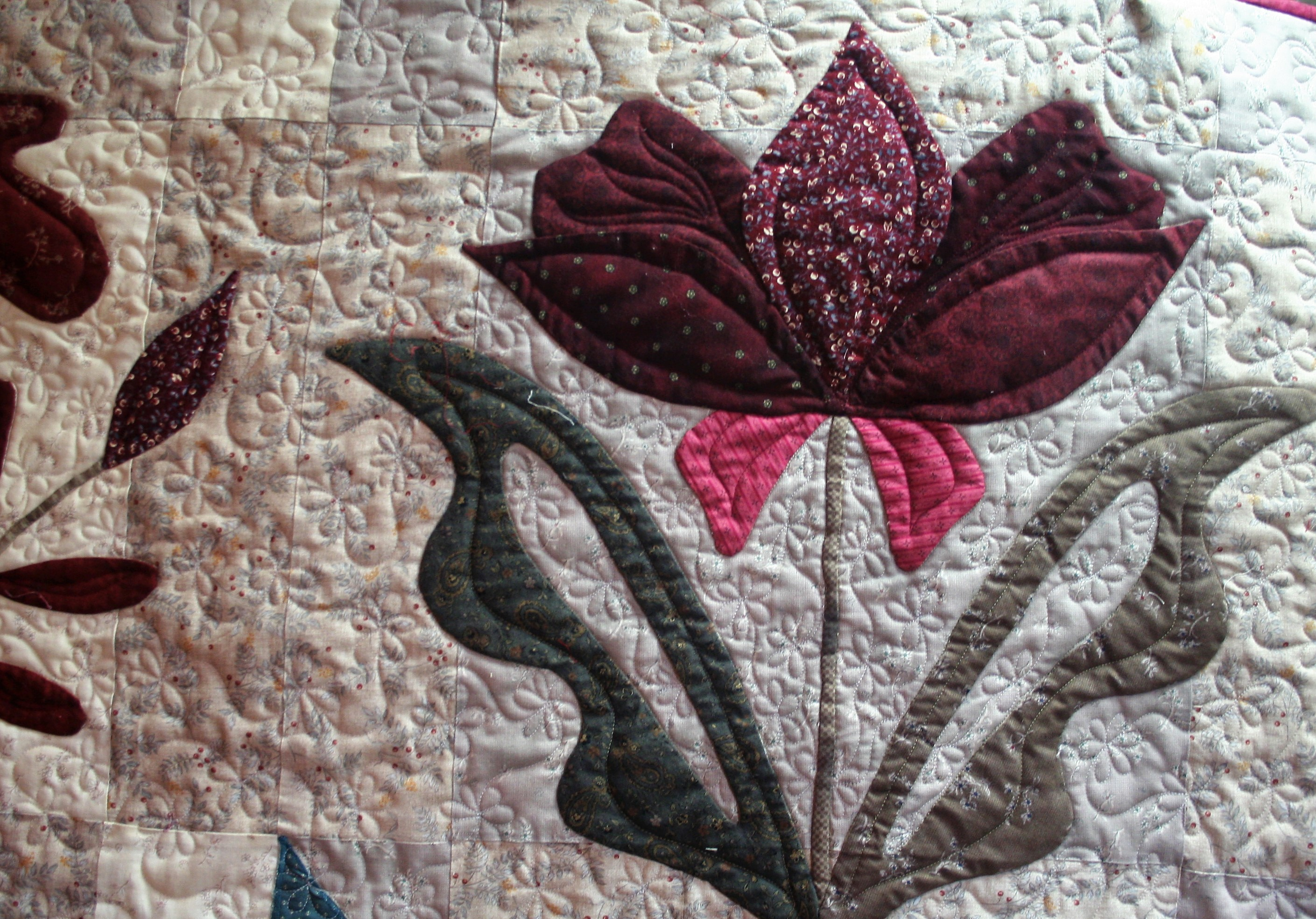 Hand applique tips and techniques with lessons and pictures