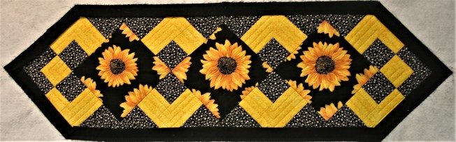 Sunflower Tablerunner (front)