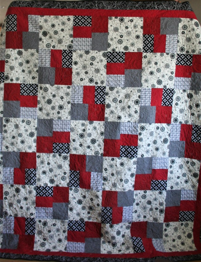 Red and Gray Grad Quilt (front)