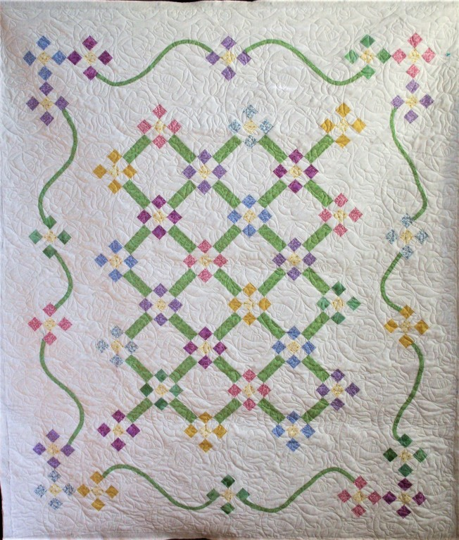 Little Roses in Lattice (front)