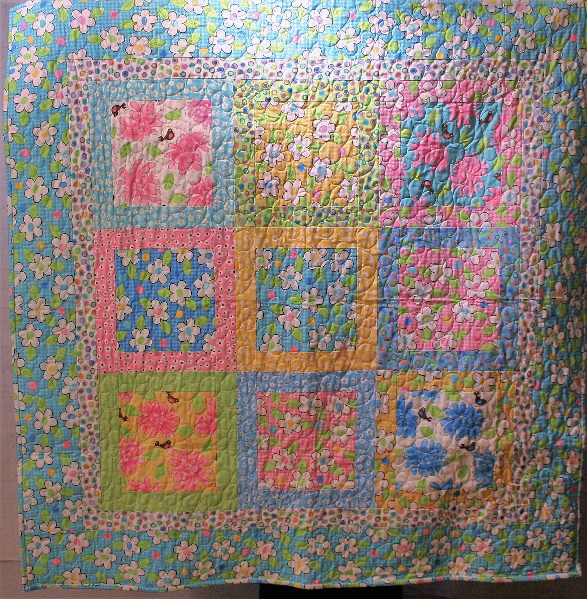 Daisy Baby Quilt (front)