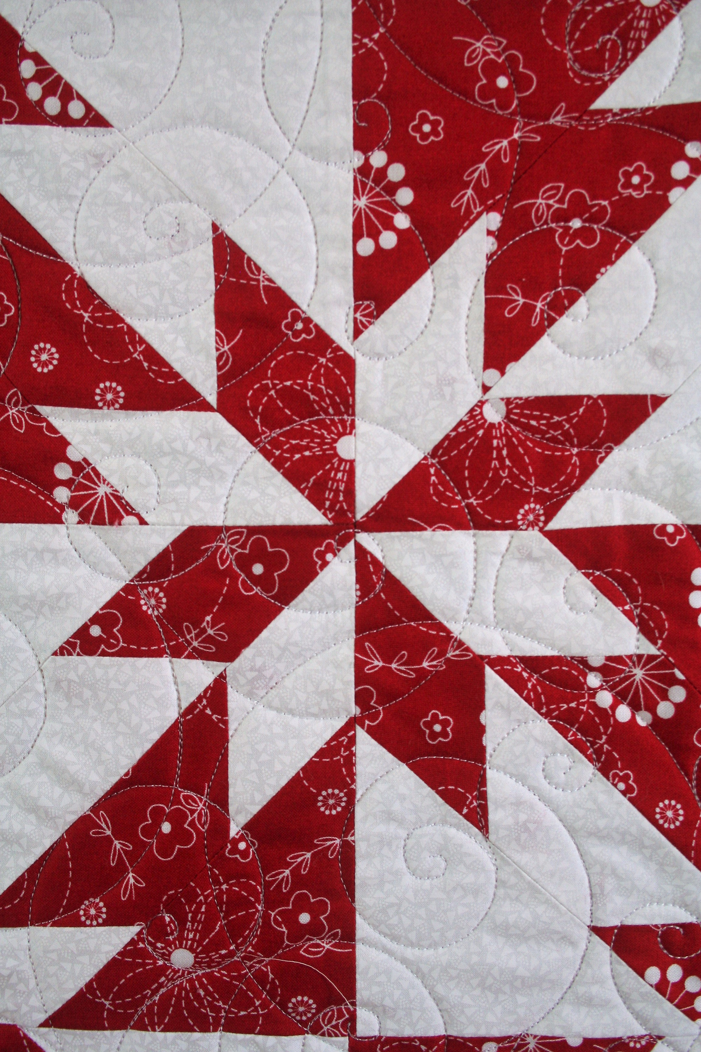 Red and White Hunters Star (close up 1)